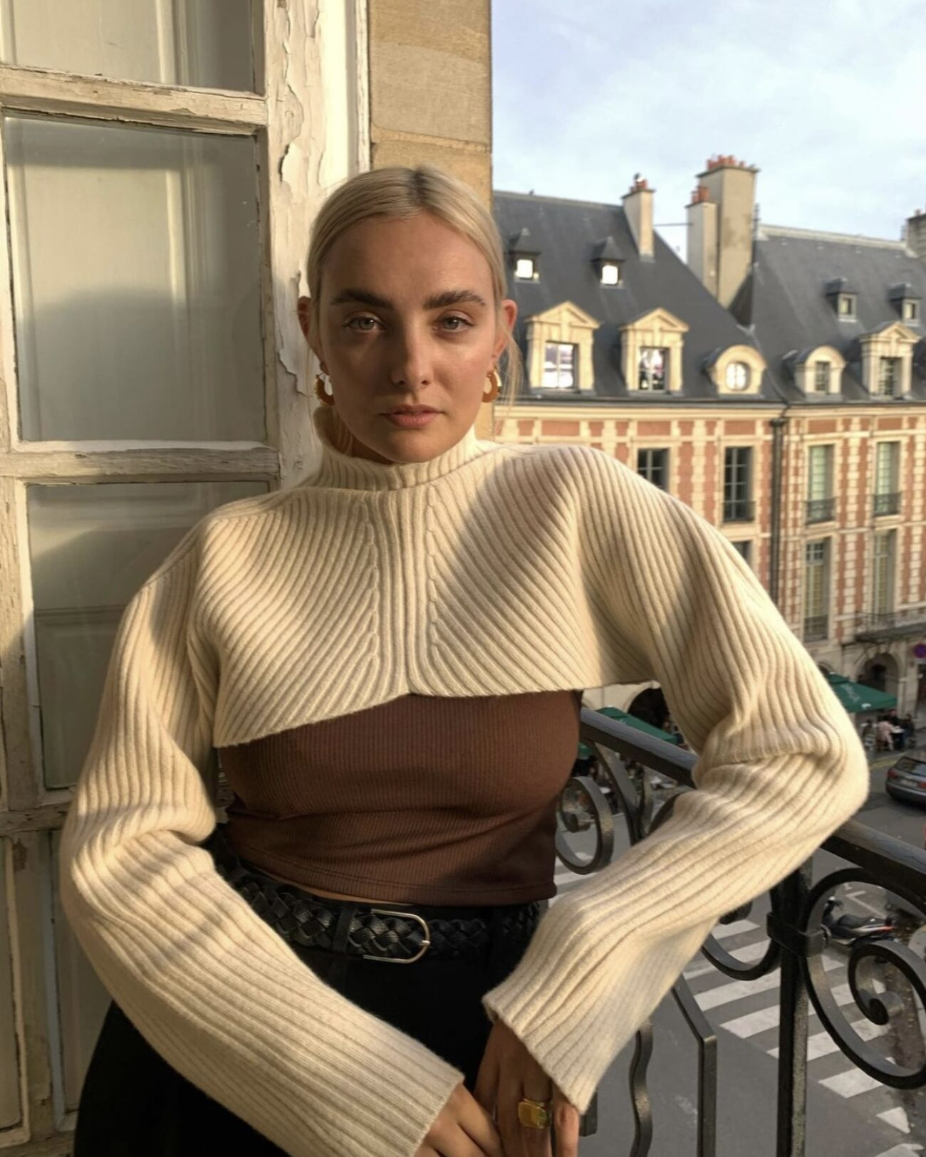 Paulien Riemis wearing EMIN + PAUL cream super crop jumper.